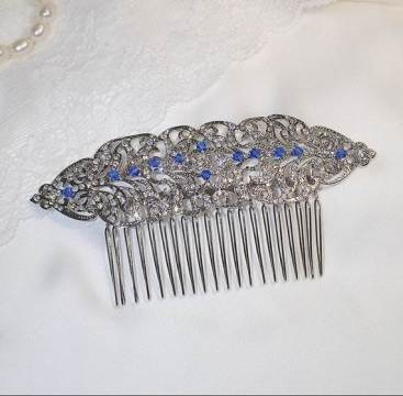 Vintage style Etsy wedding hair comb as featured in the Unique Bride Journal