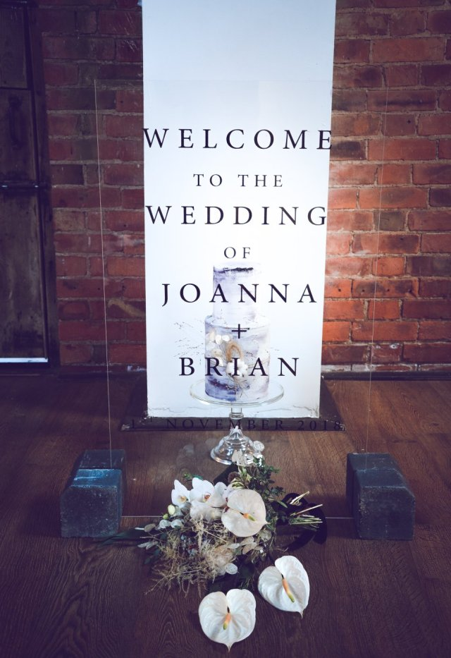 Industrial Luxe Wedding at Deighton Lodge With Simple Chic Style