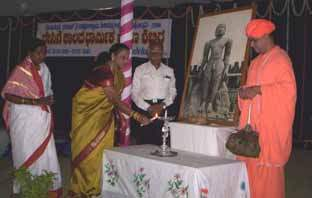 Smt. Sheela Anantharaj inaugurating the 10 day Summer Religious camp.