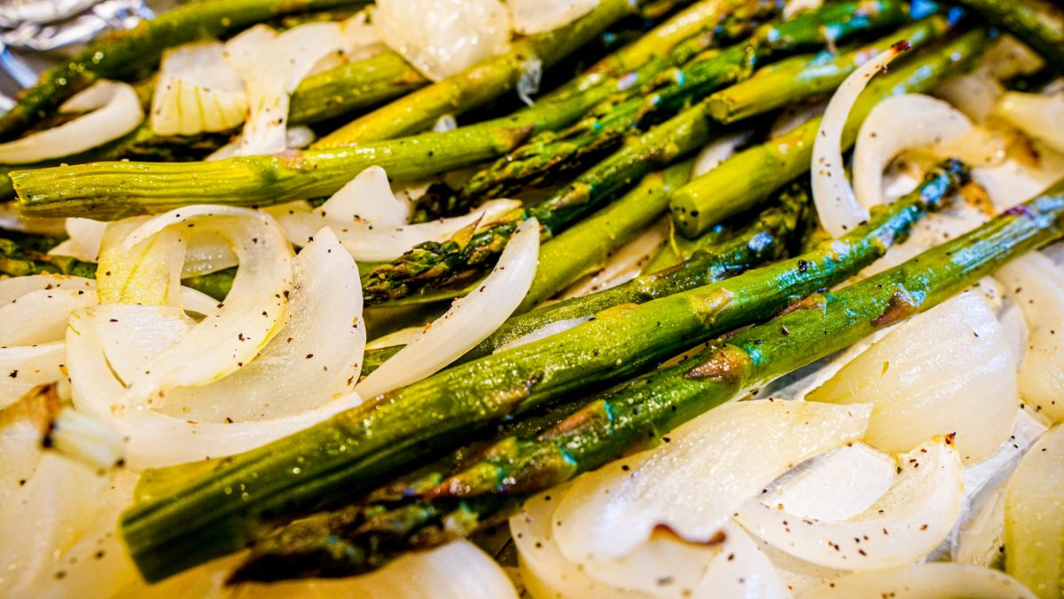 The Scoop with Lea   Roasted Asparagus and Onion 2