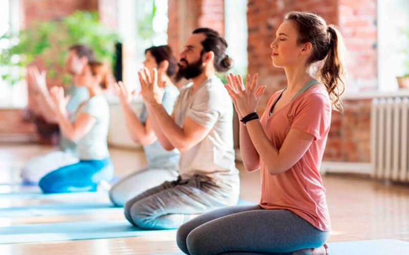 Yoga - con masajes rejuvenecedores