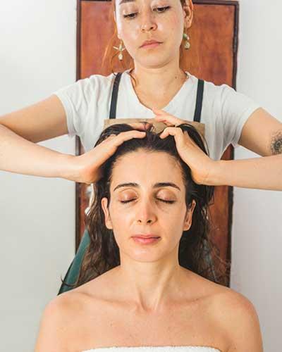 Shiroabhyanga - Tipos de masajes ayurvédicos