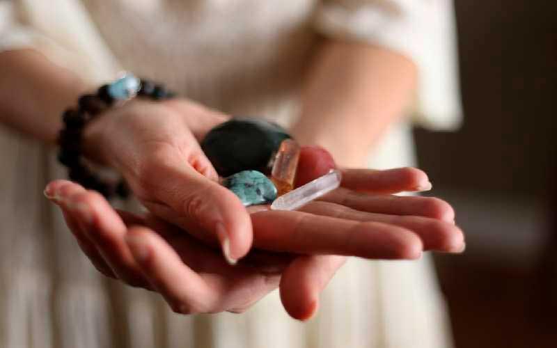 Cómo se emplean los Cristales en Ayurveda