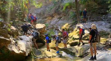 Trekking traversée Nord-Sud du massif du Makay en famille