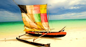 Naviguez dans une pirogue Vezo traditionnelle à Madagascar
