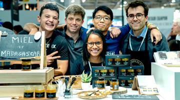Le Staff de la compagnie du miel de Madagascar