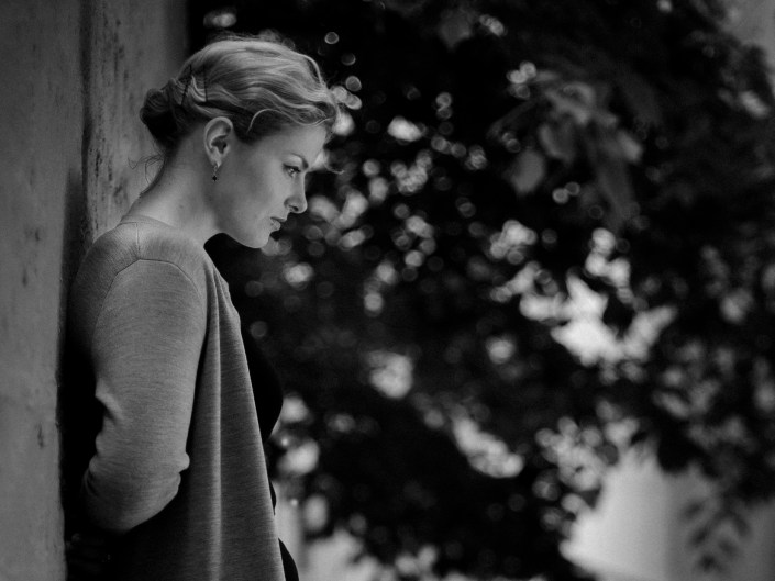 Kateryna b&w shooting photo paris
