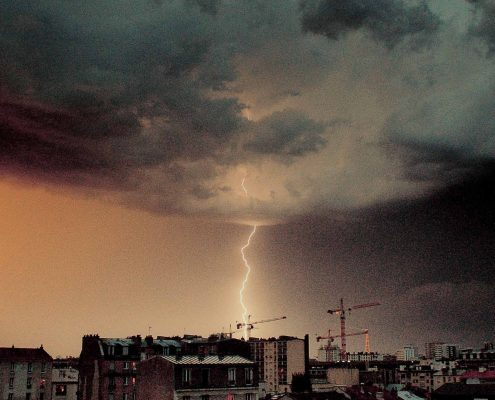 Lightning strike in Paris 2