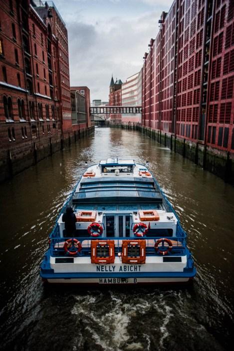 Boat tour on the Elbe - Hamburg