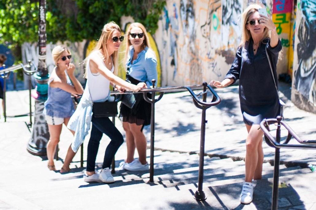 Tourists taking a selfie - Paris street photography