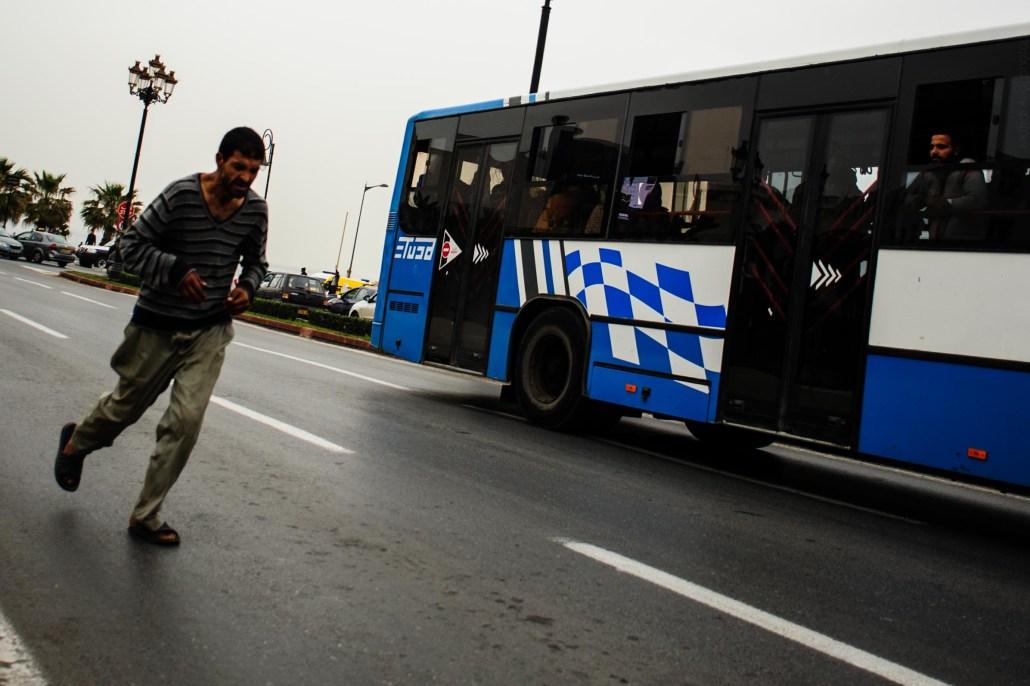 Course avec le bus – Alger - Racing with the bus – Algiers