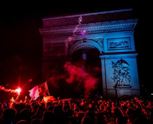 Verts de joie pour les Fennecs - An uncommon Bastille Day with Algerian football fans