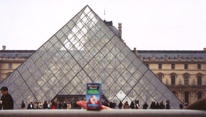 fra-paris-louvre-01
