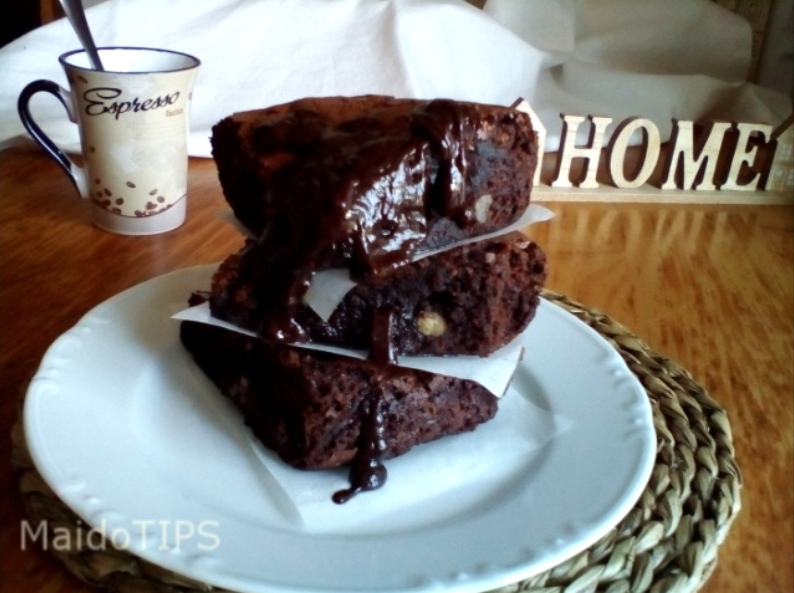 BROWNIE DE CHOCOLATE Y NUECES.