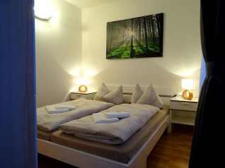Doppelbett in der Ferienwohnung