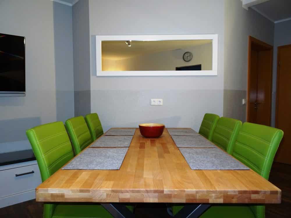 Wohnzimmer Sitz- und Essbereich