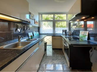 Kücheneinrichtung Ferienwohnung Dresden - Maik L. Borchers