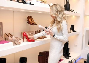 woman shopping create a buyer personal