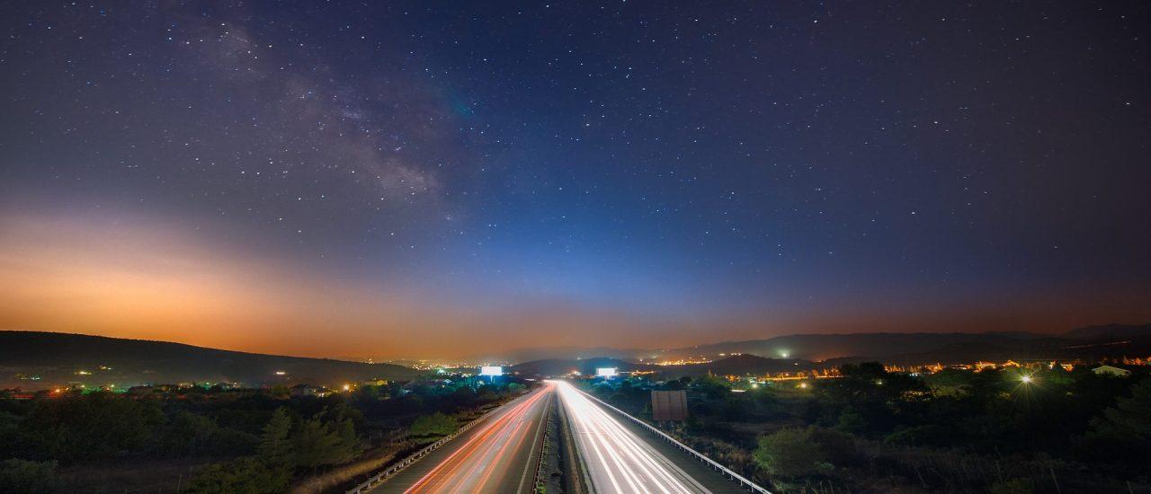 La distribución nocturna eliminaría el 92% del tráfico de vehículos de reparto en hora punta