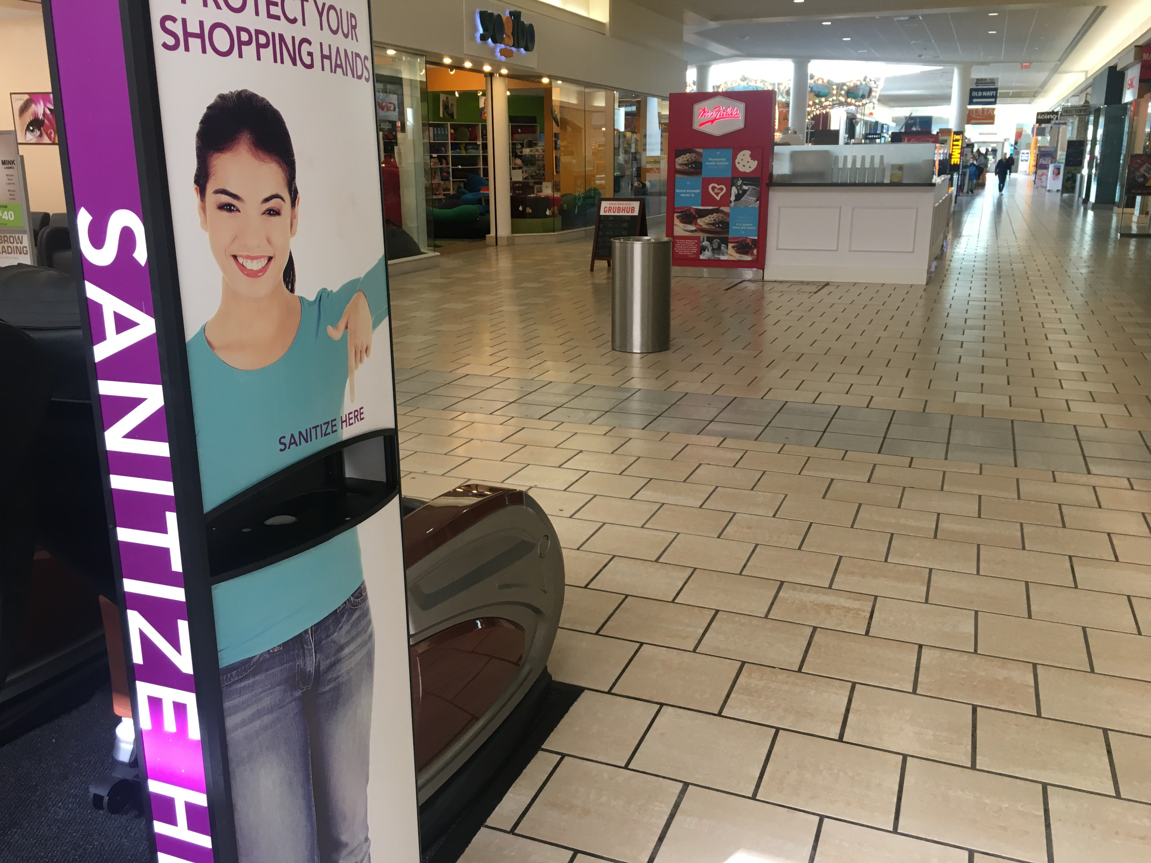 maine mall closes after mills mandate