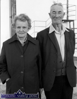 Margaret and Eugene McMahon, Keel, Castlemaine were in Castleisland to welcome Minister for Industry and Commerce Albert Reynolds, TD. when his helicopter touched down on thw mart yard in November 1988. ©Photograph: John Reidy 15-11-1988