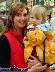Siobhan Fleming from Currow brought her little cousin, Maria Daly - also from Currow - to the annual Castleisland Horse Fair on Monday. ©Photograph: John Reidy 1-11-2004