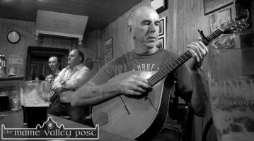 Handed Down organiser, PJ Teahan pictured during a recent filmed session at Sheila Prendiville's Bar & Grocery with fellow musicians, Mick Culloty (left) and Tom O'Connell. ©Photograph: John Reidy