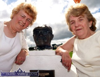 Bridie Geaney, Castleisland (left) and Gretta O'Mahony, Annascaul pictured in Lyreacrompane on Sunday for the annual Dan Paddy Andy Festival. ©Photograph: John Reidy 31/07/2005