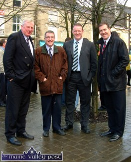 The late Moss Keane pictured with Cllr. Bobby O'Connell, Mick Galwey and Donal Lenihan in Castleisland on the occasion of the unveiling of the bust to Con Houlihan on January 16-2004. ©Photograph: John Reidy 16/01/2004