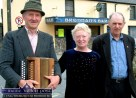 A special day in the life of Brennan's: Jackie Dan Jerry O'Connor (left) pictured with singer, Peggy Sweeney and Dessie O'Halloran before their groundbreaking and memorable Samhlaoicht Session in The Latin Quarter. ©Photograph: John Reidy 12-4-2003.