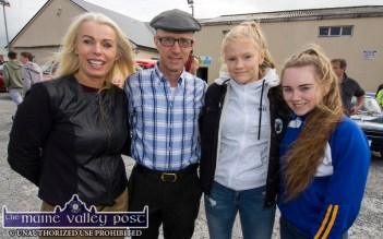 Sheila Costello (left) with Michael Healy Rae,TD; Ava Fitzmaurice and Edel Brosnan at the start of the annual Paudie Fitzmaurice Memorial Charity Tractor Run in Castleisland. ©Photograph: John Reidy 9-9-2018