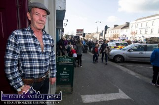 The late Timmy Murphy surveying the 2017 fair day scene in Castleisland from the door of Kearney's Bar. ©Photograph: John Reidy 1-11-2017