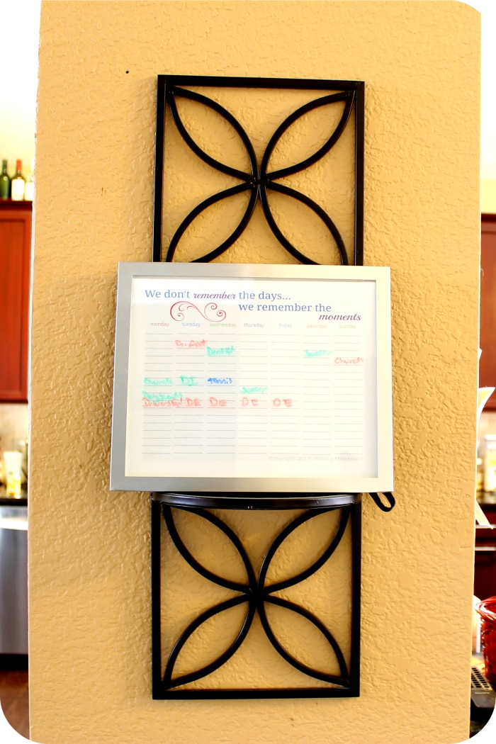 Weekly planner page printable hanging