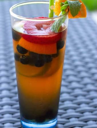 Summer Sparkling Rainbow Tea Cocktail for Entertaining