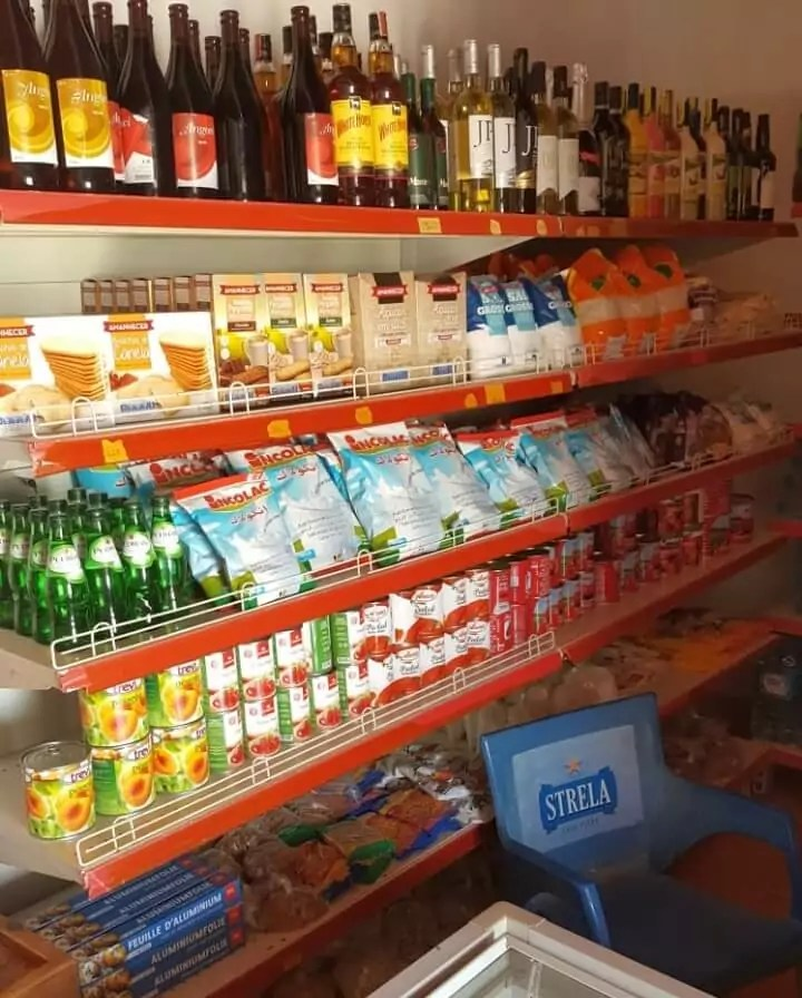 Interior Casa Blanca Supermarket in Morro, Maio