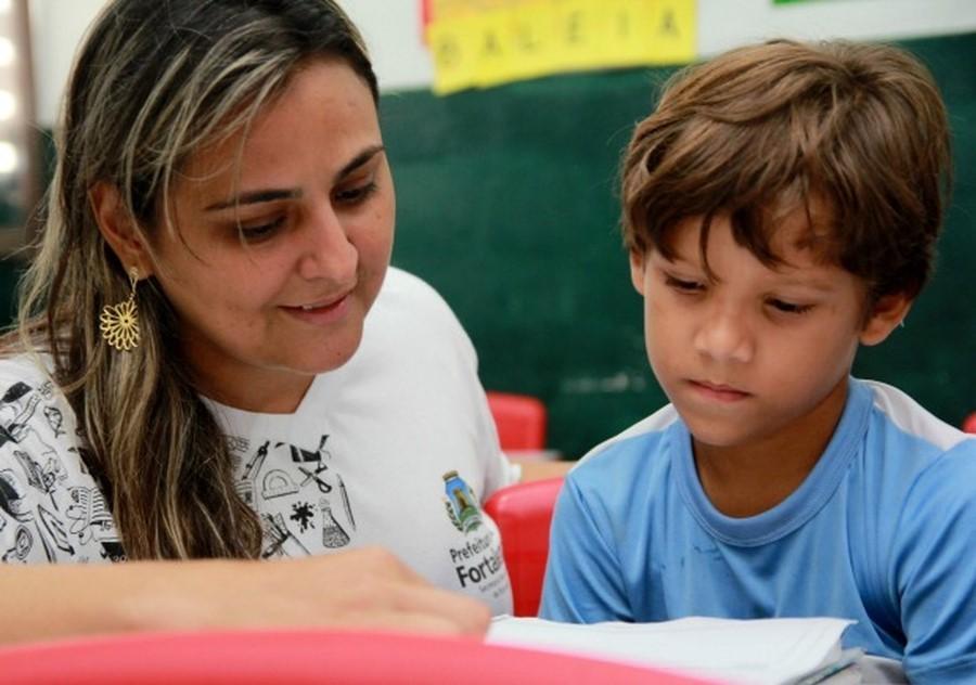 Prefeitura de Fortaleza lança seleção pública para professores substitutos