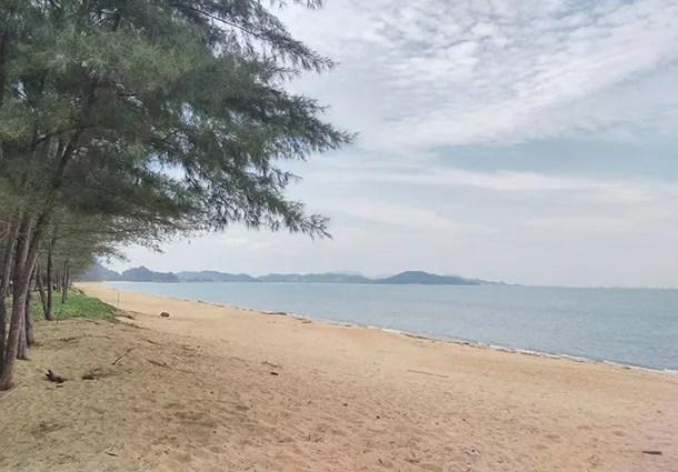 Pantai Teluk Mak Nik Cherating