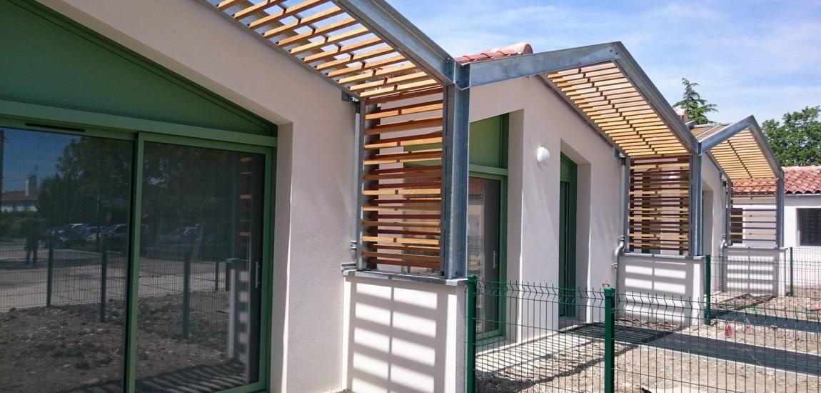 Maison en bois vivanbois for Brise soleil bois exterieur