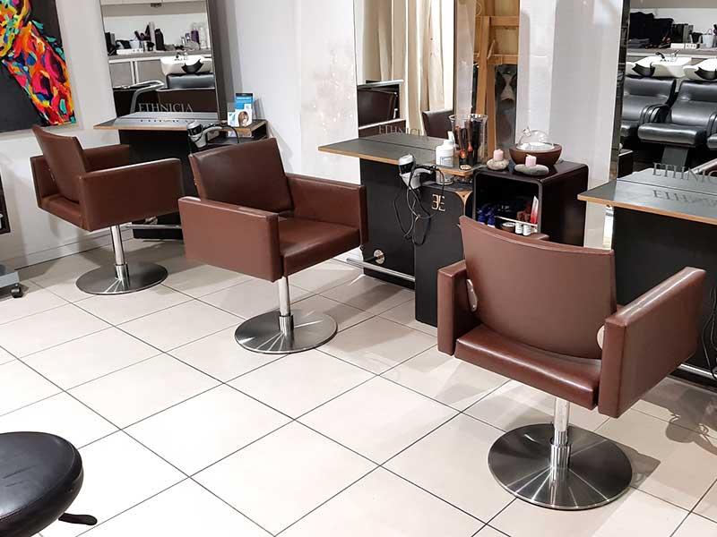 restauration de fauteuils pour un salon
