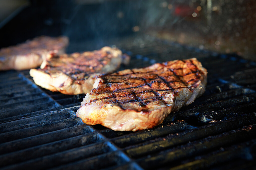 https www maison travaux fr maison travaux conseils pratiques fabriquer hotte de barbecue 2 119784 html