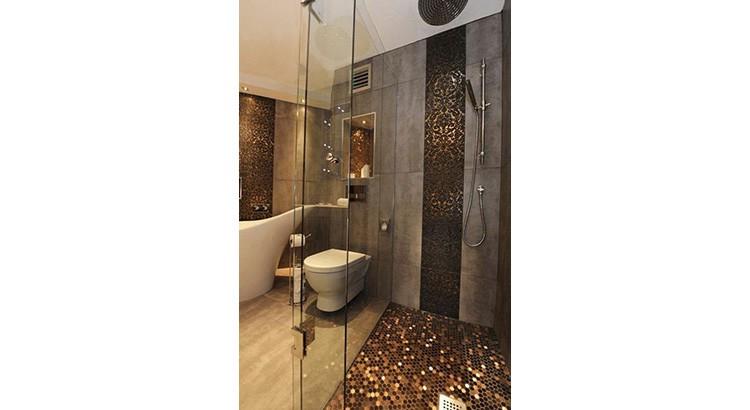 20 salles de bains nacrees qu on adore