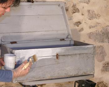 Restaurer Un Coffre En Bois Patine Facon Nordique Avec Pochoir
