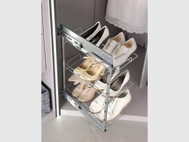 un range chaussures coulissant pour placard rangement pour chaussures