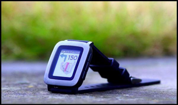 montre connectée pebble time ecran ePaper
