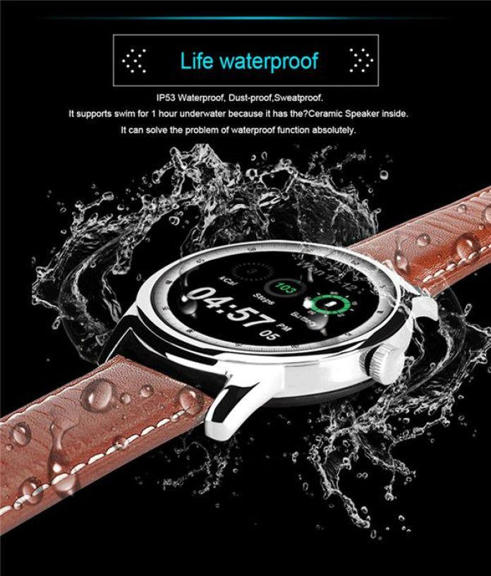 La montre connectée LEMFO LEM1 peut résister à la poussière et à une exposition à l'eau grâce à sa certification IP53