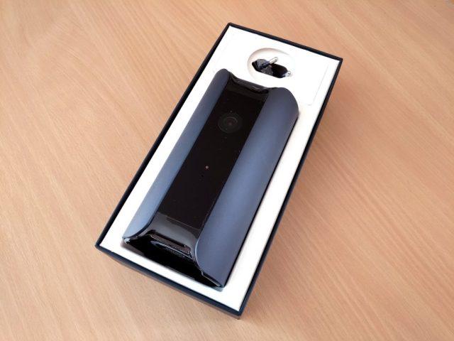 Ouverture de la boîte contenant la caméra