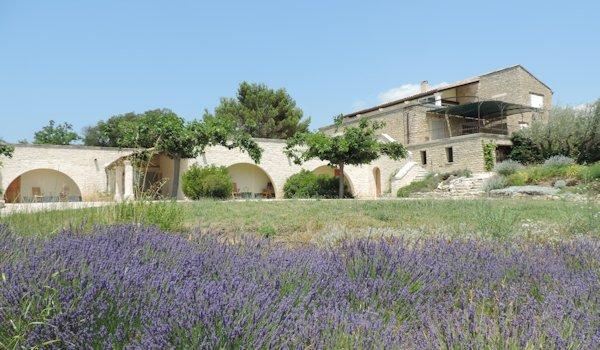 Maison d'hôtes à vendre à Gordes dans le Luberon (Provence Alpes Côte d'Azur)