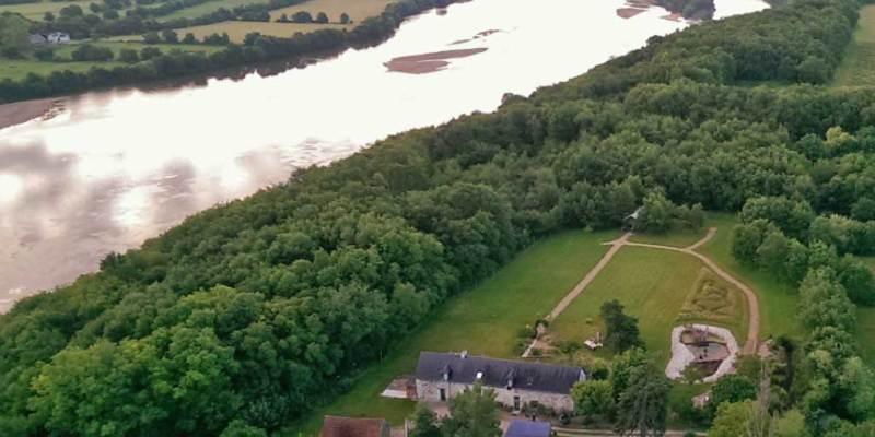 Ecolodge avec tente safari et chambres d'hôtes à vendre près de Saumur dans le Val de Loire