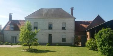 Maison d'hôtes à vendre dans un village du Pas-de-Calais (10 Km d'Arras) en région Hauts-de-France