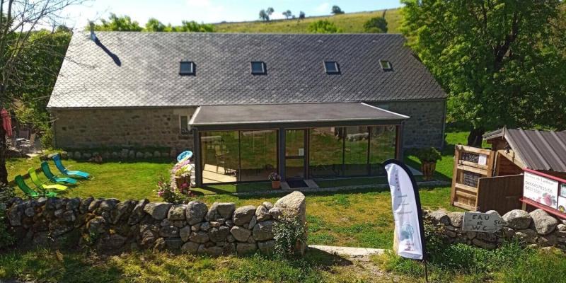 Gîte et maison d'hôtes à vendre dans le village de Prinsuéjols, sur le chemin de Saint Jacques de Compostelle, en Lozère